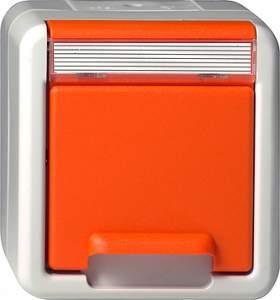 044630 Розетка с з/к (для дальнейшего обеспечения безопасности) IP44