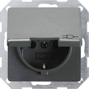 048820 Розетка с заземляющим штифтом. защитой от детей и крышкой