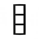 10133025 Рамкa B.3, 3-местная, алюминий, цвет: черный/полярная белизна