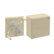 1590753-031 15 Бежевый Коробка для наружного монтажа, трёхпостовая