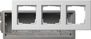 2883201 Монтажная коробка Е22 трехместная с рамкой