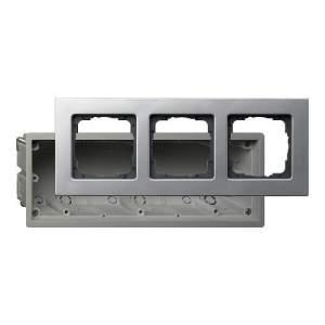 2883203 Монтажная коробка Е22 трехместная с рамкой