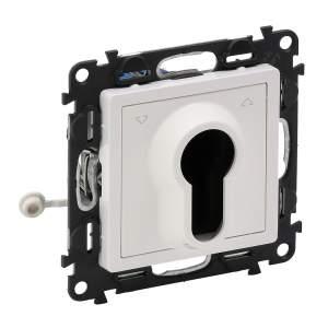 752119 Valena Life Белый Переключатель кнопочный с самовозвратом, с ключом (с лицевой панелью)