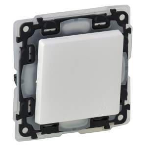 752171 Valena Life Белый IP44 Выключатель кнопочный 6А 250В (с лицевой панелью)