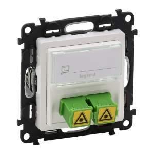 753130 Valena Life Белый Розетка оптическая для подкл. оптоволок кабелей SC/APC (с лицевой панелью)
