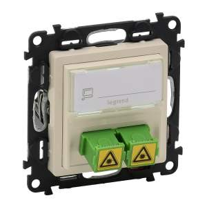 753230 Valena Life Сл.кость Оптическая розетка для подключ оптоволок каб. SC/APC с лиц. пан.