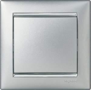 770351 Valena Алюминий/Серебряный штрих Рамка 1-ая