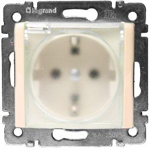 774120 Valena Крем Розетка 1-ая с/з с крышкой и защитными шторками IP44 (к простой рамке)