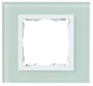 82637-60 82 Nature Натуральный/Белое стекло Рамка на 3 поста