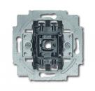 1684-0-0327 (2601/6/20 EW-54) BJE Блок из 1-клавишного переключателя и розетки SCHUKO откр. монтаж, IP44, альп. бел.