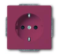 2013-0-5248 (20 EUCKS-87) BJE Solo/Future Красный Розетка с/з с защитными шторками